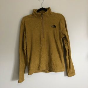 The north face men's size small 1/4 zip sweater